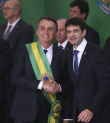 Bolsonaro já pediu dinheiro dos impostos do povo para financiar milícias no Rio de Janeiro